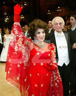 Deprecated: Function ereg_replace() is deprecated in /mnt/buffer.1/home/eletstilusmagazin/szakafoto/index.php on line 397 Gina Lollobrigida - 2005. February  4., Budapest